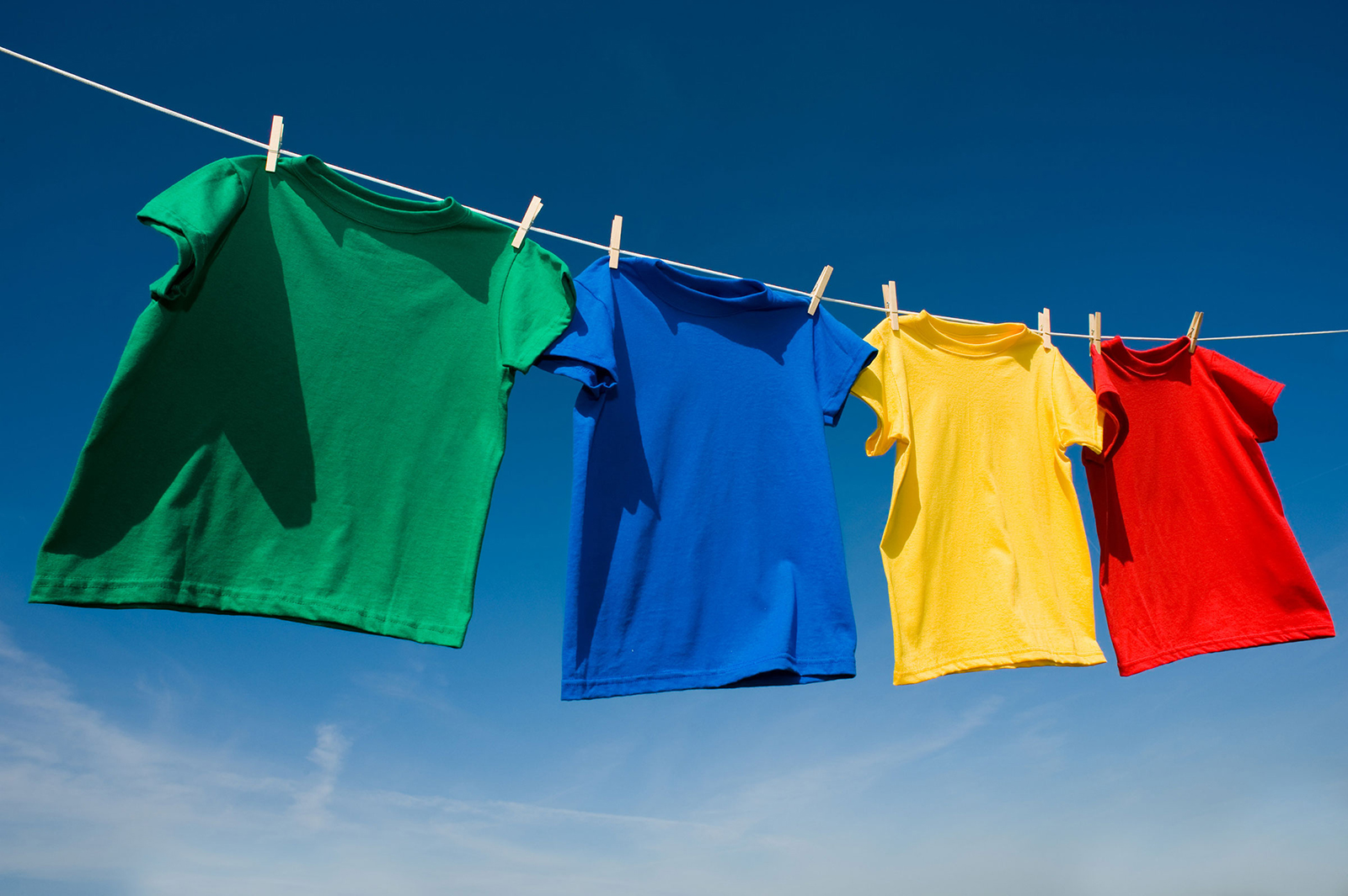 Ήρθαν οι κάδοι ανακύκλωσης ρούχων  57e1c096aec